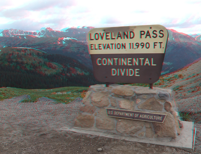 Loveland Pass, Colorado sign in anaglyph 3D.